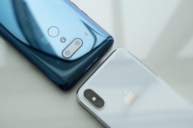 So sánh chi tiết HTC U12 Plus và iPhone X ảnh 3