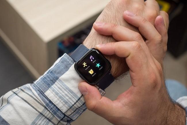 Đánh giá chi tiết mẫu đồng hồ thông minh đáng mua nhất hiện nay ảnh 2