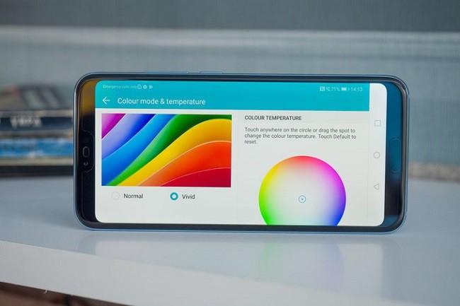 Đánh giá chi tiết smartphone Honor 10: thiết kế đẹp nhưng dễ vỡ ảnh 3