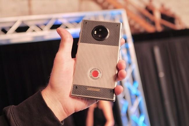 9 mẫu điện thoại thậm chí còn tốt hơn cả iPhone X và Galaxy S9 ảnh 3