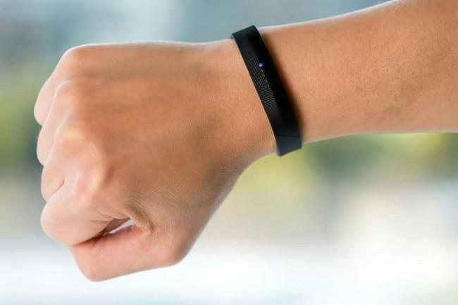 7 thiết bị đeo tay thông minh Fibit có ưu đãi lớn nhất trong tháng 7 ảnh 1