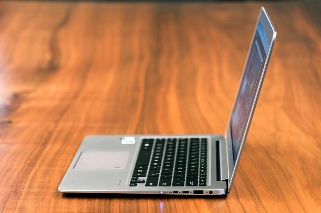 Đánh giá chi tiết Asus Zenbook UX330UA: thiết kế siêu mỏng, giá 750 USD ảnh 5