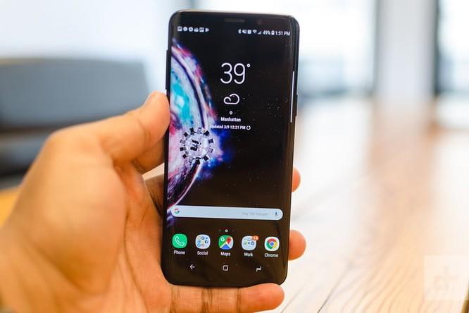 So sánh Moto Z3 và Samsung Galaxy S9: flagship nào đáng đồng tiền bát gạo hơn? ảnh 2