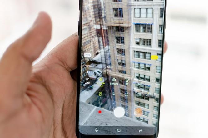 So sánh Moto Z3 và Samsung Galaxy S9: flagship nào đáng đồng tiền bát gạo hơn? ảnh 3