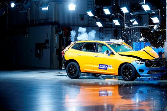 Volvo XC60 trở thành chiếc xe an toàn nhất ở châu Âu ảnh 1