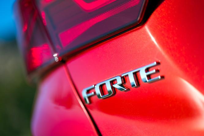 Kia Forte 2019 thế hệ mới chính thức lộ diện tại triển lãm Naias 2018 ảnh 15