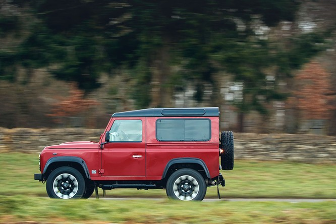 Kỷ niệm 70 năm, Land Rover ra mắt Defender Works V8 bản đặc biệt ảnh 8