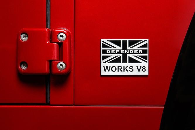 Kỷ niệm 70 năm, Land Rover ra mắt Defender Works V8 bản đặc biệt ảnh 15