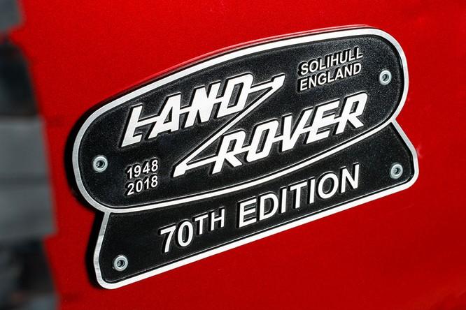 Kỷ niệm 70 năm, Land Rover ra mắt Defender Works V8 bản đặc biệt ảnh 16