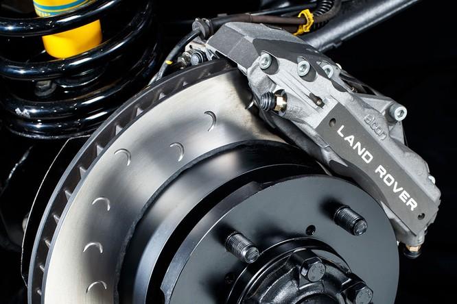 Kỷ niệm 70 năm, Land Rover ra mắt Defender Works V8 bản đặc biệt ảnh 18