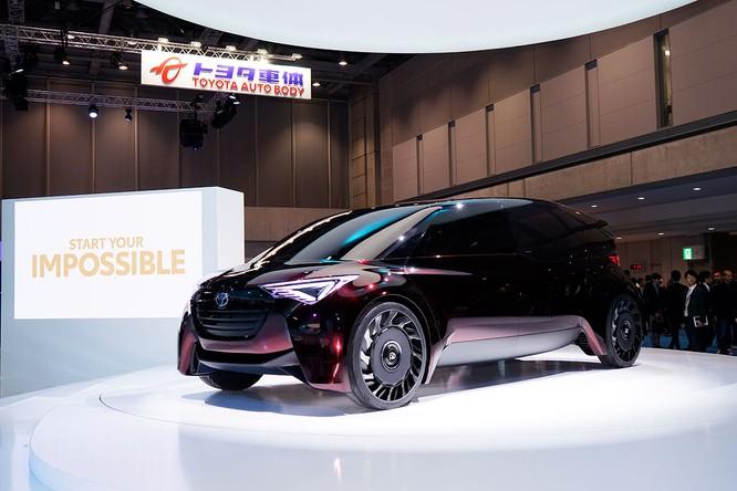 Bên cạnh phát triển dòng xe chạy điện, Toyota rất kỳ vọng dòng xe Fuel Cell sẽ làm nên sự đột phá