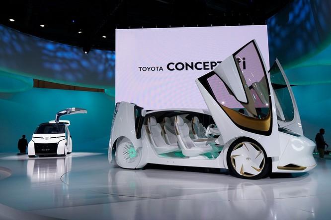 Mẫu Toyota i-Concept được ra mắt tại triển lãm Tokyo Motor Show 2017