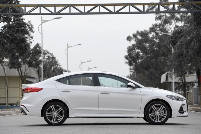 Hyundai Elantra Sport động cơ Turbo ra mắt khách hàng Việt, giá 729 triệu ảnh 7