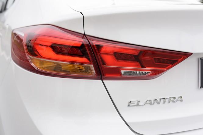 Hyundai Elantra Sport động cơ Turbo ra mắt khách hàng Việt, giá 729 triệu ảnh 10