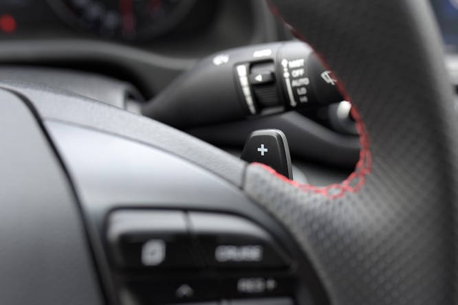 Hyundai Elantra Sport động cơ Turbo ra mắt khách hàng Việt, giá 729 triệu ảnh 15