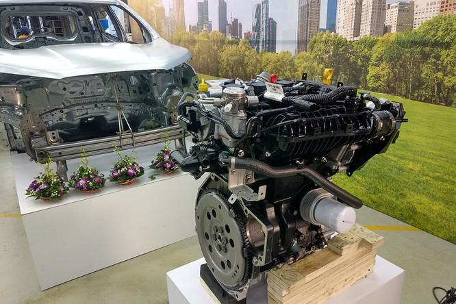 Ford EcoSport 2018 được trang bị hai phiên bản động cơ: EcoBoost 1.0L trứ danh với 5 năm liên tiếp đạt giải Động cơ của Năm trên toàn cầu, và phiên bản thứ hai không kém nổi bật là động cơ 3 xi-lanh Dragon 1.5L Ti-VCT 121 mã lực, mô-men xoắn