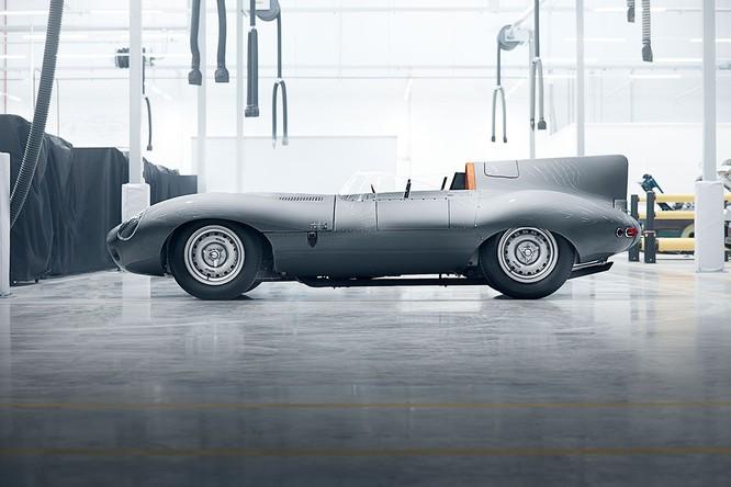 Jaguar hồi sinh mẫu xe đua huyền thoại D-Type ảnh 4