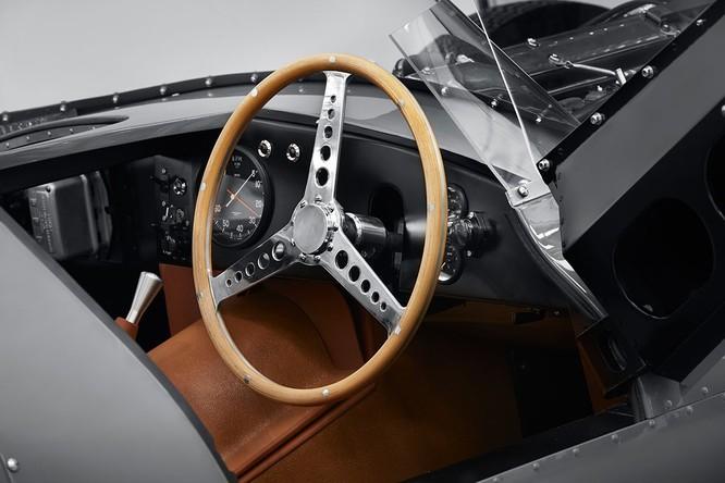 Jaguar hồi sinh mẫu xe đua huyền thoại D-Type ảnh 1