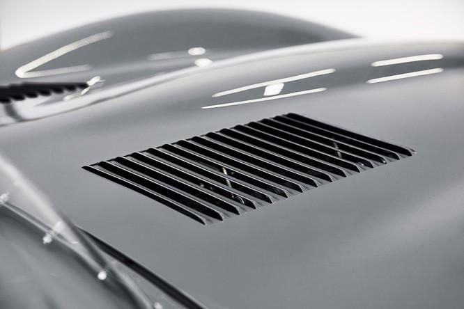 Jaguar hồi sinh mẫu xe đua huyền thoại D-Type ảnh 10