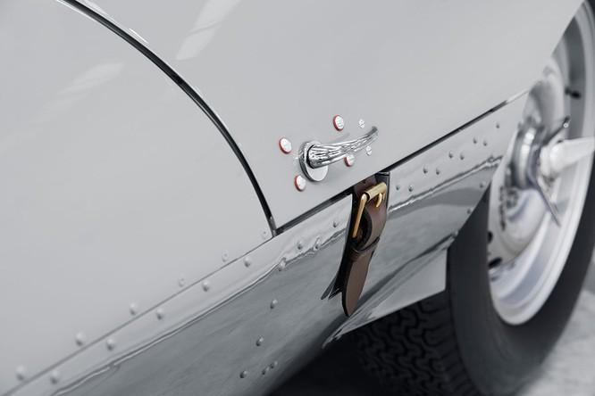 Jaguar hồi sinh mẫu xe đua huyền thoại D-Type ảnh 11