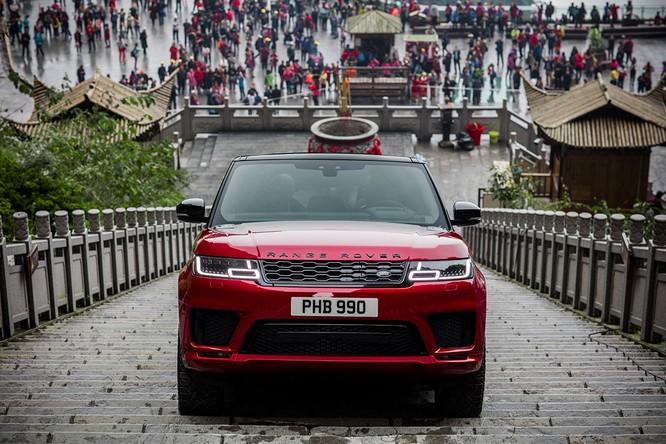 Mãn nhãn với màn chinh phục cổng trời của Range Rover Sport PHEV ảnh 1