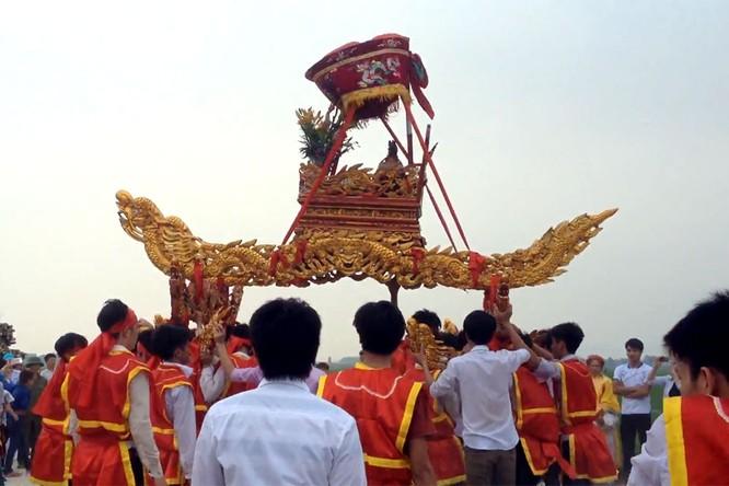 7 lễ hội tâm linh ngay gần Hà Nội không thể bỏ qua trong dịp Tết Nguyên đán ảnh 2