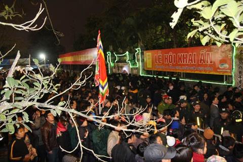 7 lễ hội tâm linh ngay gần Hà Nội không thể bỏ qua trong dịp Tết Nguyên đán ảnh 14