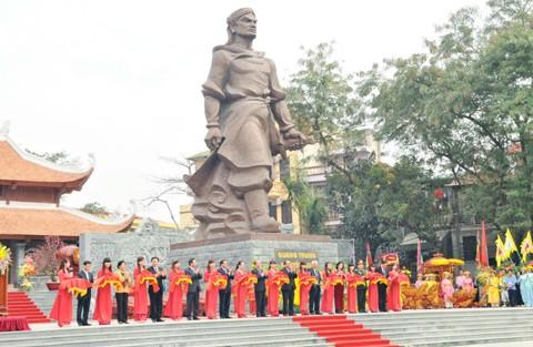 7 lễ hội tâm linh ngay gần Hà Nội không thể bỏ qua trong dịp Tết Nguyên đán ảnh 3