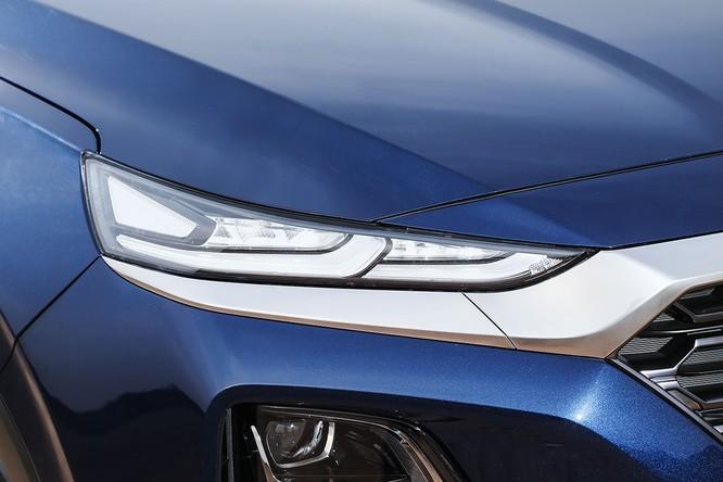 Cận cảnh mẫu Hyundai Santa Fe 2019 vừa chính thức ra mắt ảnh 13