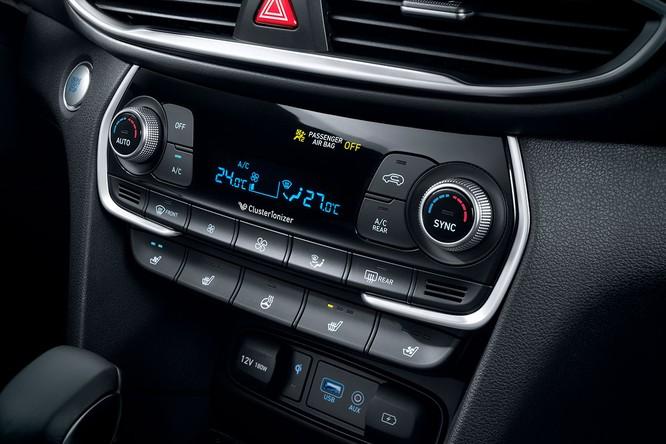 Cận cảnh mẫu Hyundai Santa Fe 2019 vừa chính thức ra mắt ảnh 23