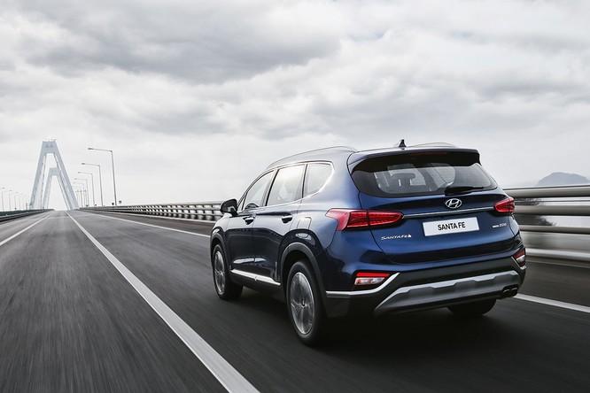Cận cảnh mẫu Hyundai Santa Fe 2019 vừa chính thức ra mắt ảnh 6