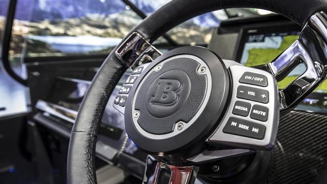Brabus Shadow 800: Chiếc sedan thể thao trên biển ảnh 5