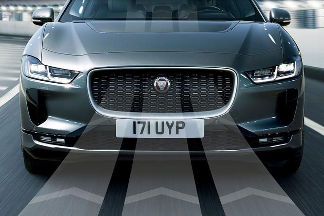Jaguar I-PACE 2019: Quyết đấu đầu với đối thủ Tesla ảnh 18