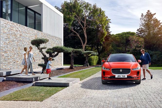 Jaguar I-PACE 2019: Quyết đấu đầu với đối thủ Tesla ảnh 9