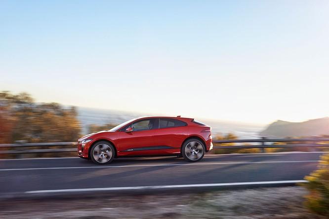 Jaguar I-PACE 2019: Quyết đấu đầu với đối thủ Tesla ảnh 10