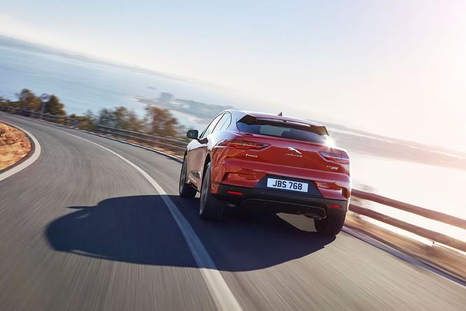 Jaguar I-PACE 2019: Quyết đấu đầu với đối thủ Tesla ảnh 11