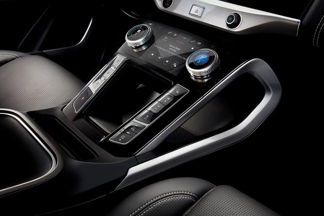 Jaguar I-PACE 2019: Quyết đấu đầu với đối thủ Tesla ảnh 22