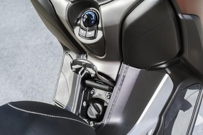 Yamaha X-Max 250 2018 chính thức có giá bán từ 145 triệu đồng ảnh 23