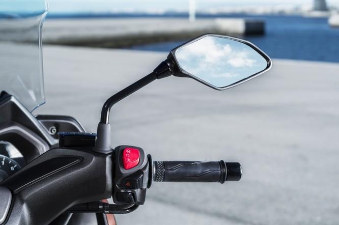 Yamaha X-Max 250 2018 chính thức có giá bán từ 145 triệu đồng ảnh 10