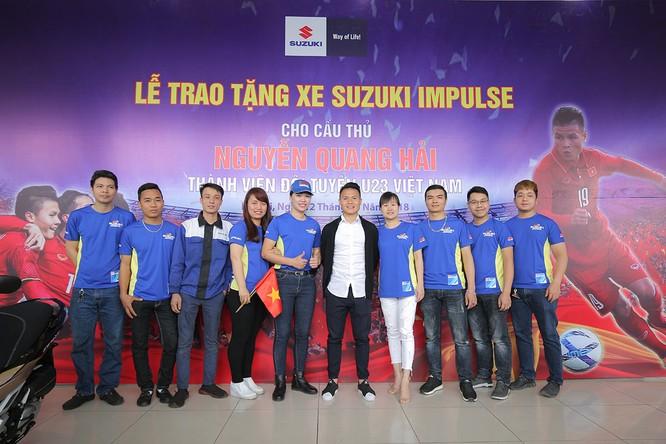 Đến giờ quà của Suzuki Việt Nam mới tới tay tuyển thủ Quang Hải ảnh 2