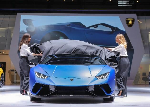 """Lamborghini Huracan đã cho thấy nó là một siêu xe """"Hot"""" như thế nào ảnh 1"""