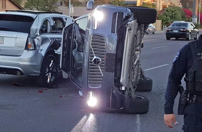 Tai nạn chết người do xe tự lái, trách nhiệm sẽ thuộc về ai? ảnh 1