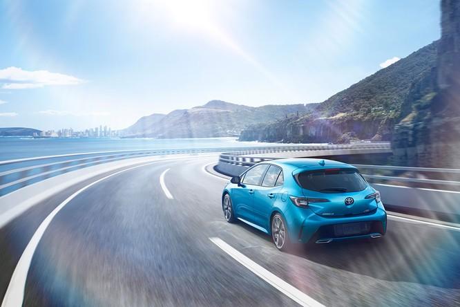 Ngỡ ngàng trước hình ảnh quá đẹp của Toyota Corolla 2019 thế hệ mới ảnh 8