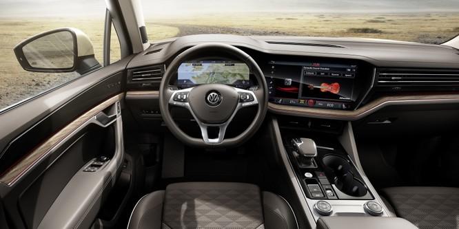 Nội thất của VW Touareg 2019 được hãng gọi với cái tên