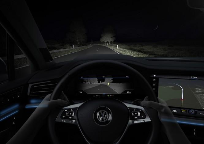 Hàng loạt công nghệ cao cấp được tìm thấy trên VW Touareg 2019