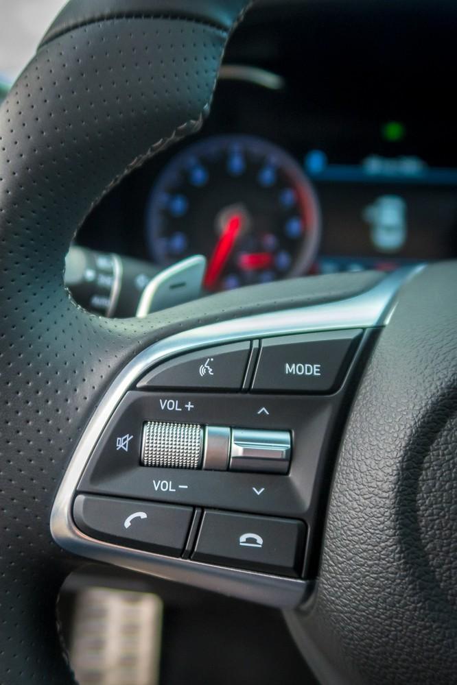 Genesis G70 2019: Đối đầu trực tiếp với BMW 3-Series ảnh 15