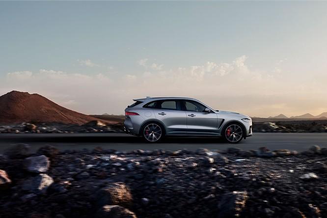 Jaguar trình làng F-PACE SVR, thách thức Porsche Cayenne S ảnh 5