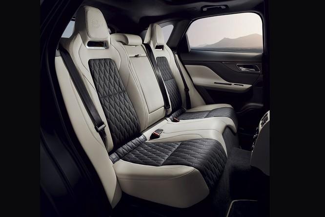 Jaguar trình làng F-PACE SVR, thách thức Porsche Cayenne S ảnh 11