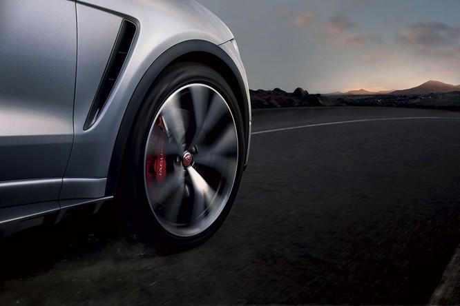 Jaguar trình làng F-PACE SVR, thách thức Porsche Cayenne S ảnh 7