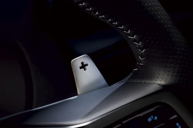 Jaguar trình làng F-PACE SVR, thách thức Porsche Cayenne S ảnh 13
